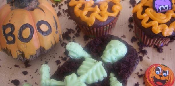 Halloween Tombs & Cupcakes