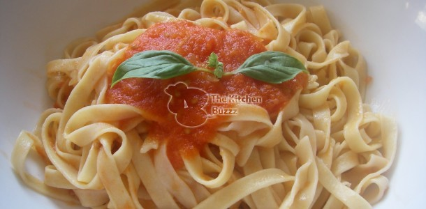 Tagliatelle with Fresh Tomato Sauce