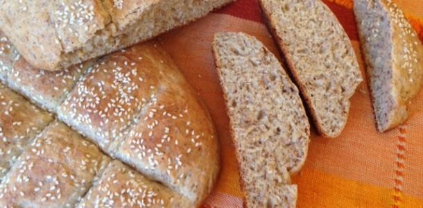 Image.Bread.Honey.Flaxseeds